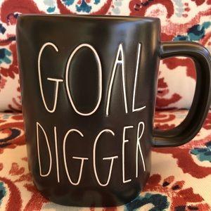 "🖤🔥Rae Dunn ""Goal Digger"" Black Coffee Mug"